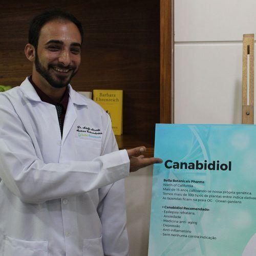 Dr. Adolfo Almeida (Dr. Hemp)